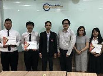 รองคณบดีฝ่ายวิชาการ ให้โอวาทและมอบเกียรติบัตรแก่นักศึกษาที่เข้าร่วมการแข่งขัน MOS Olympic Thailand Competition 2018