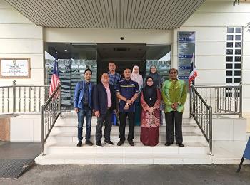 19 กันยายน อาจารย์หทัยพันธน์ สุนทรพิพิธ รองคณบดีฝ่ายวิจัยและบริการวิชการ วิทยาลัยนวัตกรรมและการจัดการ มหาวิทยาลัยราชภัฏสวนสุนันทา เข้าประชุมร่วมกับผู้บริหารของมหาวิทยาลัย Universiti Teknologi MARA ประเทศมาเลเซีย