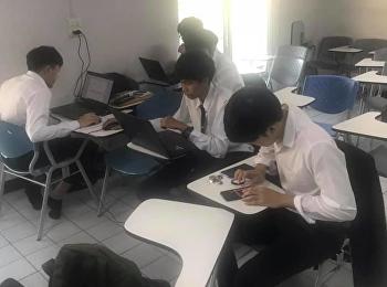 การจัดการระบบสารสนเทศเพื่อธุรกิจ นักศึกษาชั้นปีที่ 3 กำลังเร่งมือทำบทความวิจัยกันอย่างสนุกสนาน