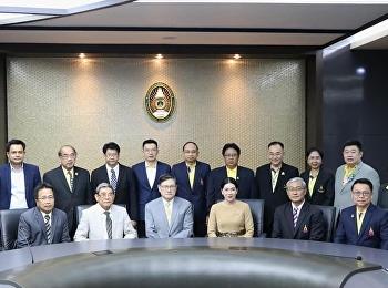 วันจันทร์ที่ 16 พฤศจิกายน 2563 วิทยาลัยนวัตกรรมและการจัดการ มหาวิทยาลัยราชภัฏสวนสุนันทา ร่วมเป็นเจ้าภาพในการต้อนรับ ศาสตราจารย์พิเศษ ดร.เอนก เหล่าธรรมทัศน์ รัฐมนตรีว่าการกระทรวงการอุดมศึกษา วิทยาศาสตร์ วิจัย และนวัตกรรม พร้อมคณะ